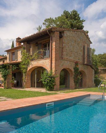 Hyr en egen villa i Toscana med pool